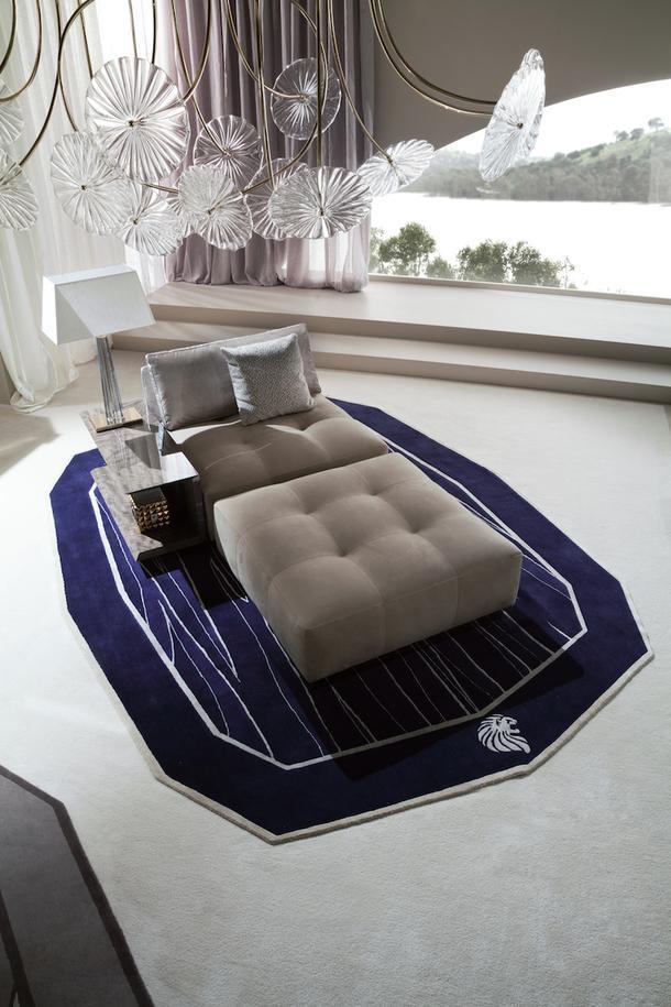 Мягкая мебель для гостиной продумана таким образом, что ее можно компоновать из различных секций, получая необходимый именно для своего интерьера вариант.