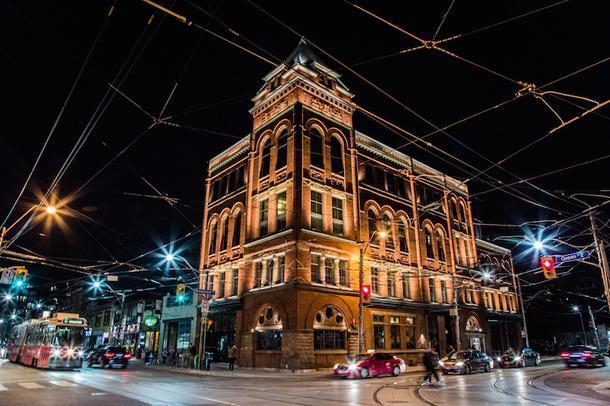 Обновленный ретроотель в Торонто