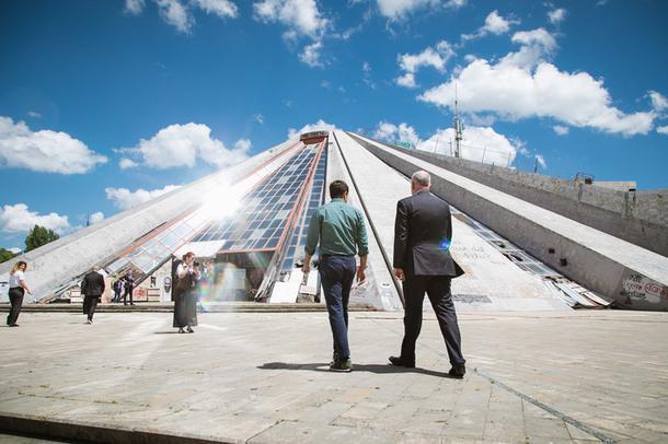 "Бюро MVRDV восстановит ""Пирамиду"" в Албании"