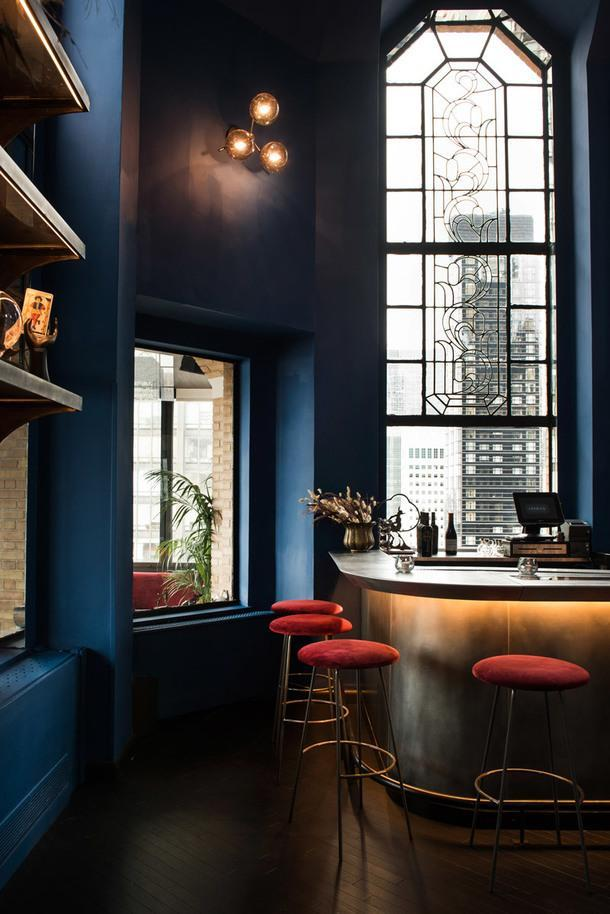 Элегантный бар на Манхэттене