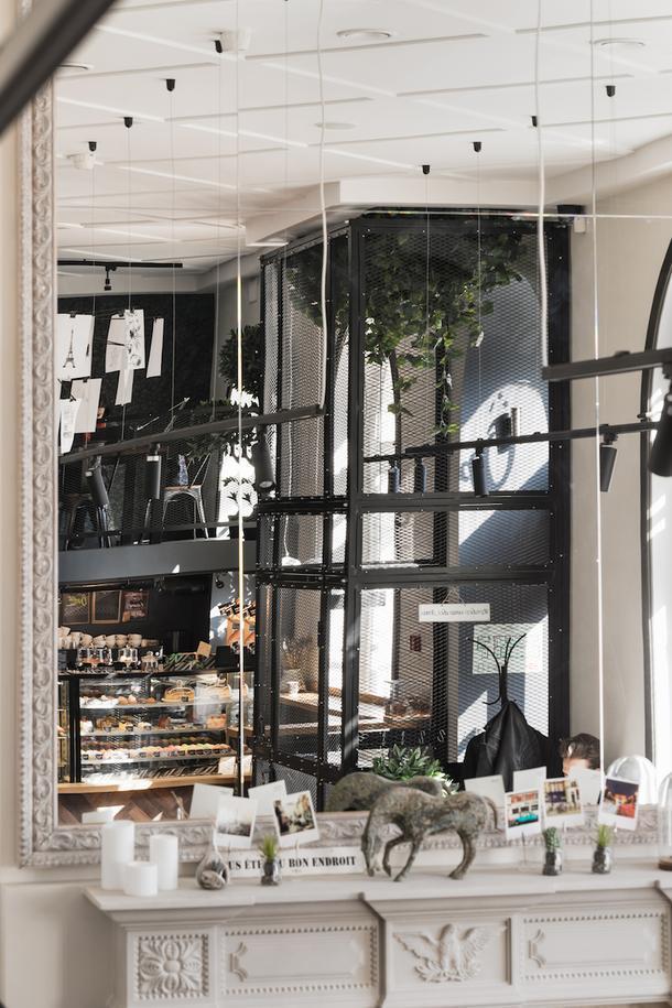 Французская кофейня в Петербурге