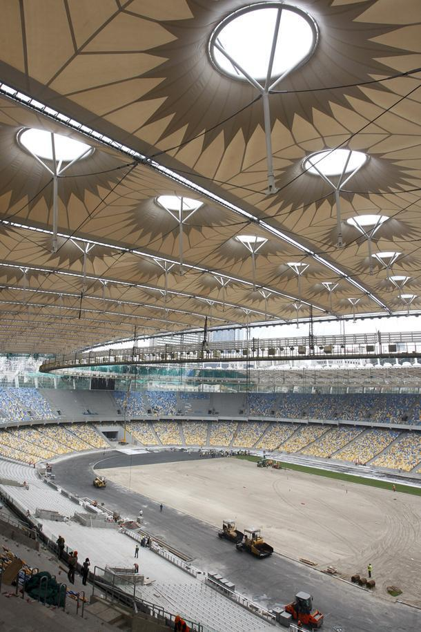 Олимпийский стадион в Киеве, 2011 год.