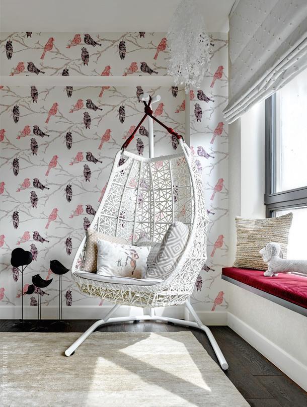Фрагмент детской. Кресло, Kettal; люстра, Tord Boontje; ковер, Dovlet House.