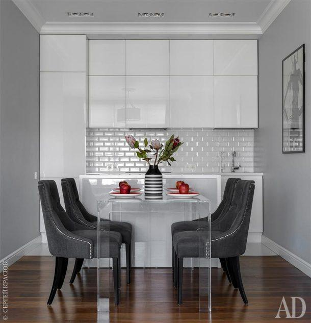 Кухня, Giulia Novars; плитка,H&E Smith, Rosbri; декор на столе, Zara Home; встроенные светильники, Modular.