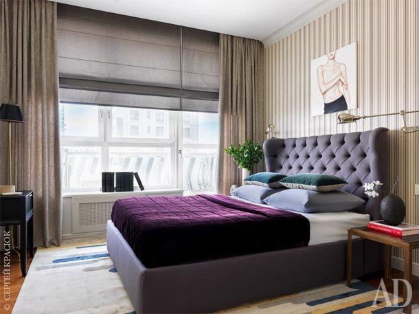 Спальня. Портьеры, Mark Alexander; кровать, Meridiani; ковер, Rue Cler, галерея Tapis Rouge; обои,Ralph Lauren Home; картина Маши Янковской.