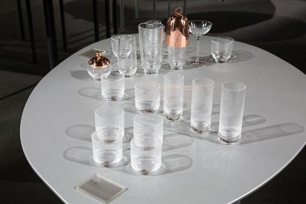 Стеклянные вазы-гнёзда от Рона Арада