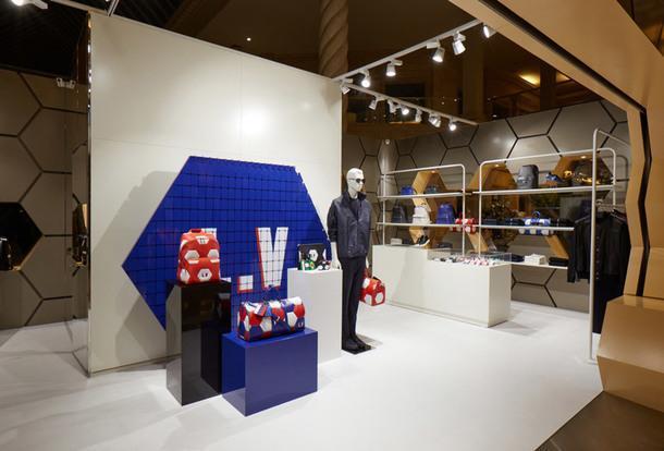"""В """"Крокус Сити Молл"""" открылся pop-up магазин Louis Vuitton"""