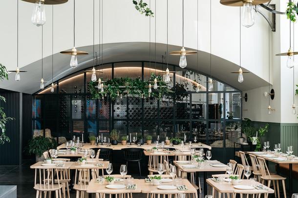"""Изящный """"цветущий"""" ресторан в Лиссабоне"""