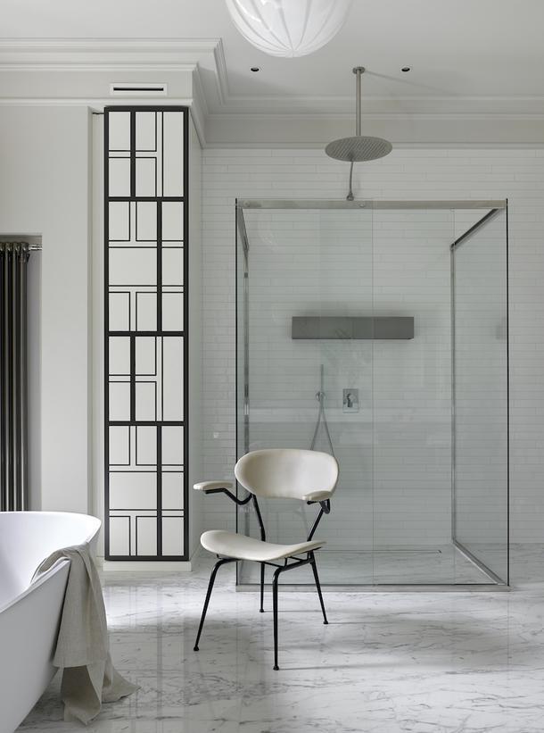 Фрагмент ванной в загородном доме по проекту декоратора Елены Соловьевой.