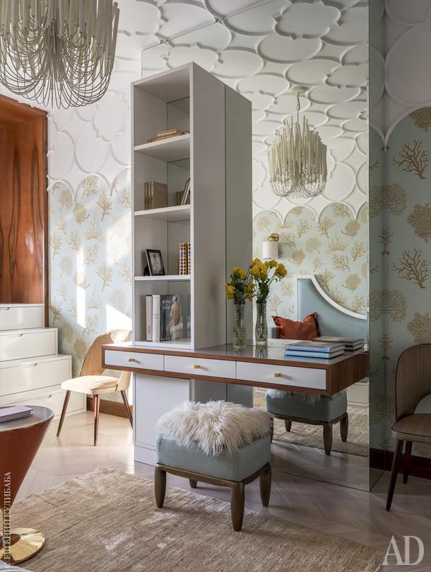 Комната дочери.Большая часть корпусной мебели придумана дизайнерами бюро Porte Rouge и изготовлена в Италии.