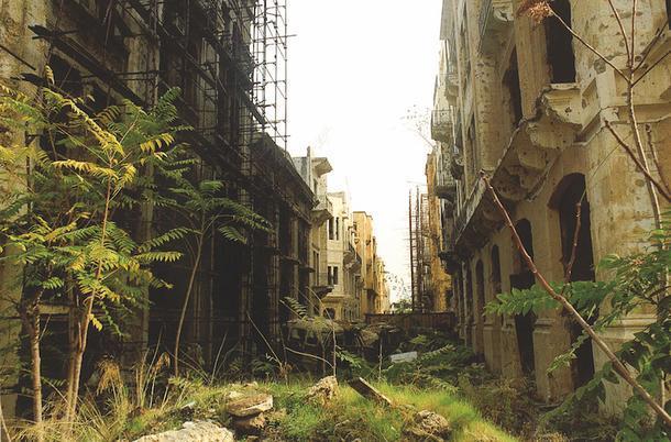 Реконструкция разбомбленной части Бейрута.