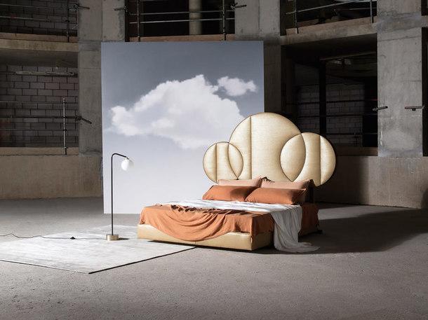 Кровать Moon 01 по дизайну Тео Янга.