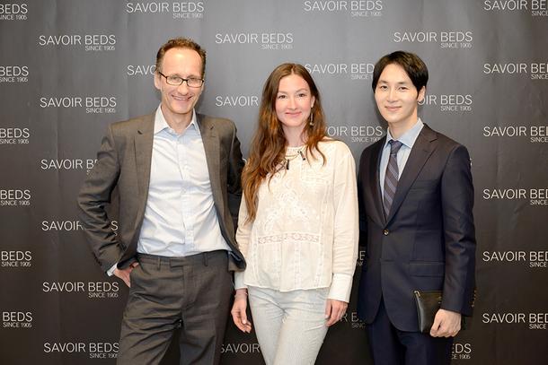 Алистер Хьюз, Savoir Beds, дизайнеры Наталия Вологдина-Аникина и Тео Янг.