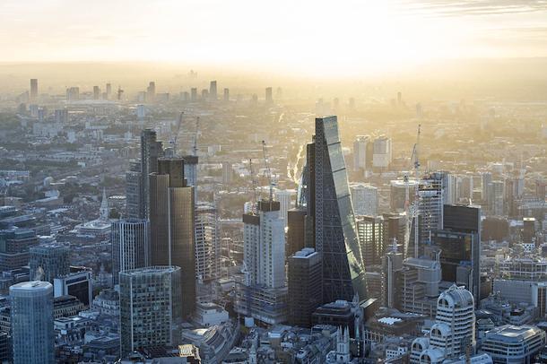 Leadenhall Building в Лондоне