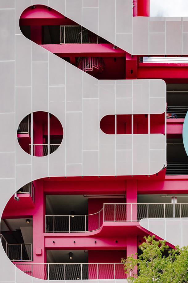 Арт-гараж в Майами с пятью разными фасадами