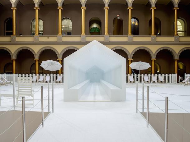 Бассейн в музее: интерактивная выставка Snarkitecture в Вашингтоне