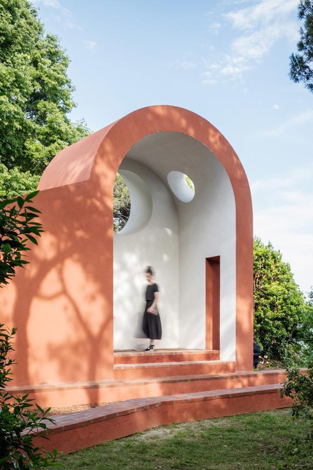 Часовня по проекту Flores&Prats (Испания).