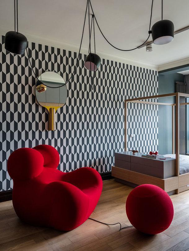Подвесной светильник, Flos Aim Ronan & Erwan Bouroullec; кресло, Gaetano Pesce,