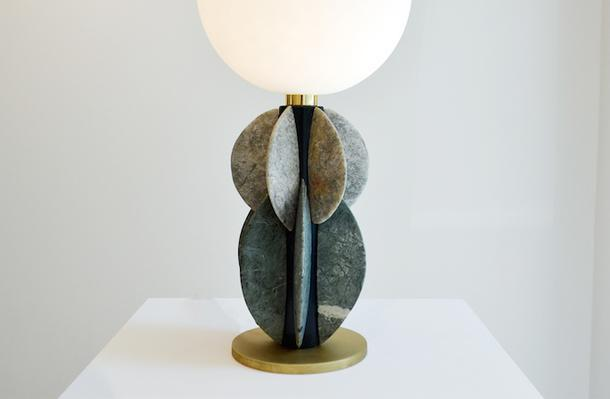 Коллекция мебели и светильников из мрамора и смолы