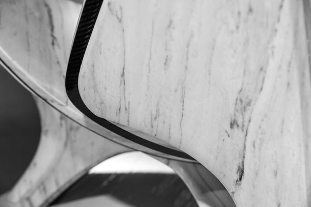 Новая жизнь стула Ханса Вегнера по дизайну Zaha Hadid Architects