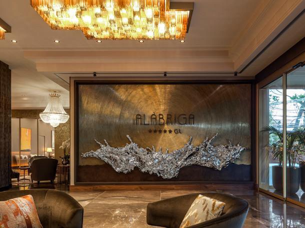 Отель Alàbriga в Испании