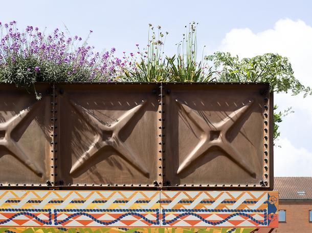 Правильное благоустройство: павильон на набережной Темзы