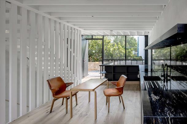 Современный стильный дом на месте бывших конюшен в Лондоне