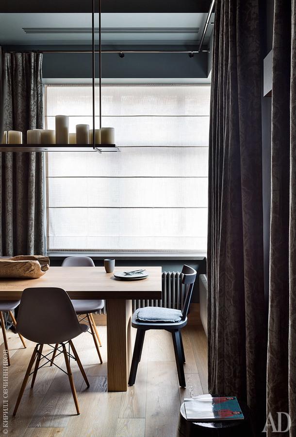 Над обеденным столом, Piet Boon, светильник, Kevin Reilly; стулья, Vitra иGervasoni.