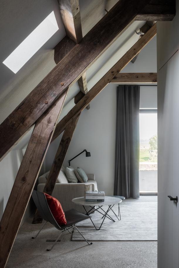 Уютный отель на месте старого амбара на берегу моря в Бельгии