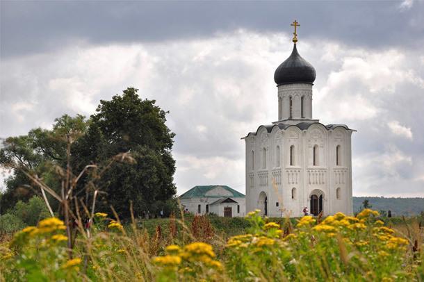Церковь Покрова Пресвятой Богородицы на Нерли, Боголюбово, Россия.