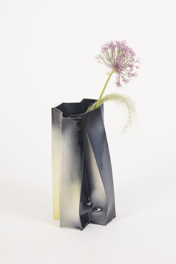 Асимметричные предметы интерьера от молодого дизайнера