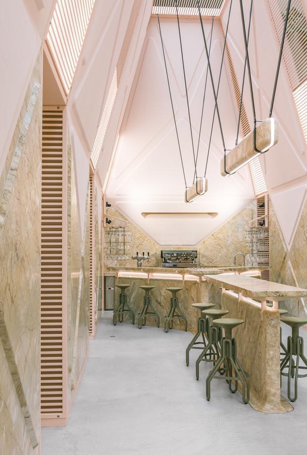 Футуристичный лаундж-бар от Дидье Фаустино в Генте