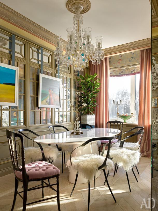 Столовая. Стол, EmmeMobili; стулья, Driade. Живопись, Fred Ingrams, Великобритания.