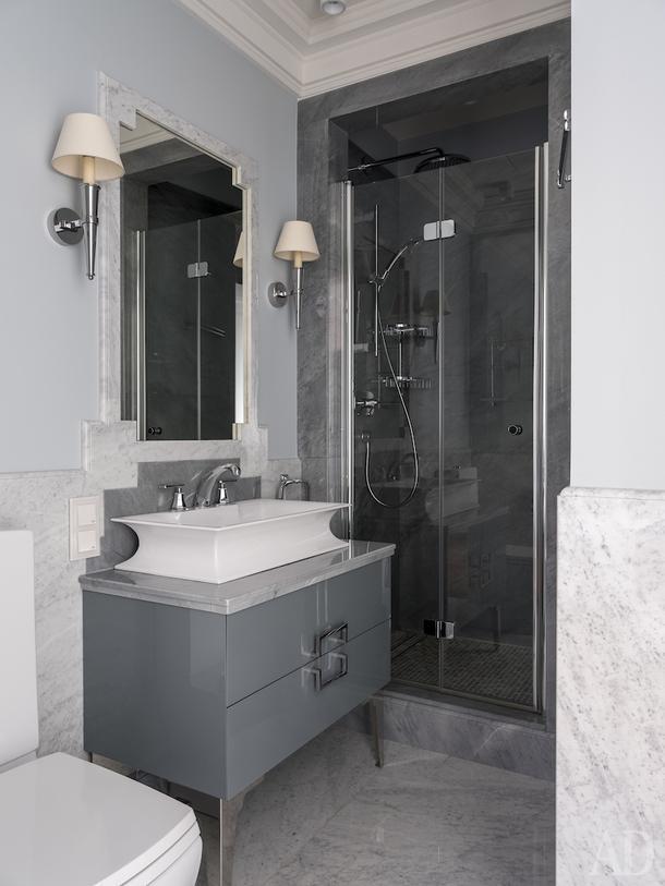 Ванная комната сына. Мойдодыр, Oasis; бра, Vaughan.
