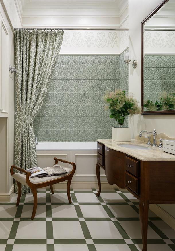 Ванная комната. Мебель под раковину, Gaia; ванна, Villeroy & Boch; кушетка из салона Standart Interiors; светильник и бра, Visual Comfort.
