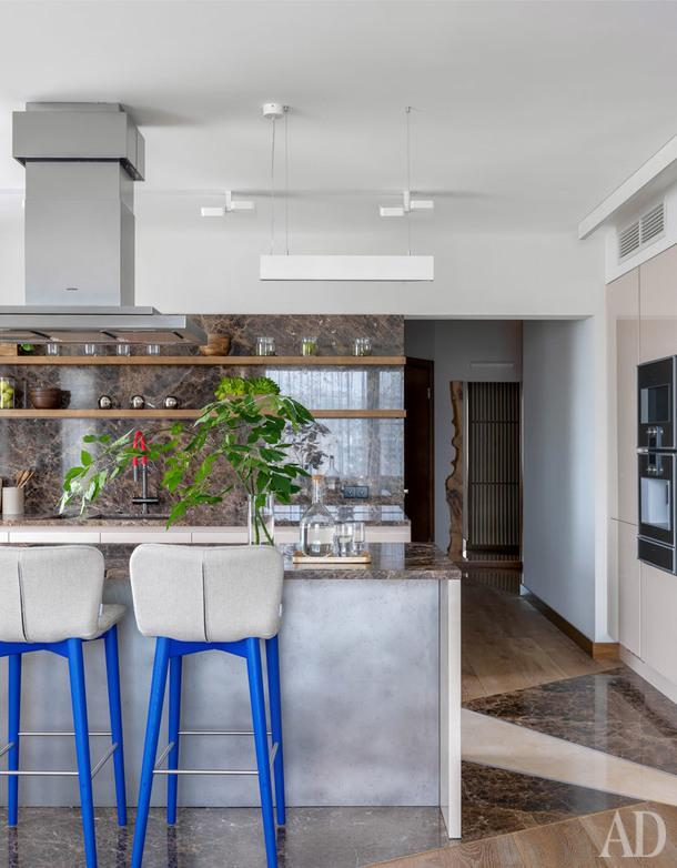 Кухня. Барные стулья, Sancal; кухня, Aster Cucine.
