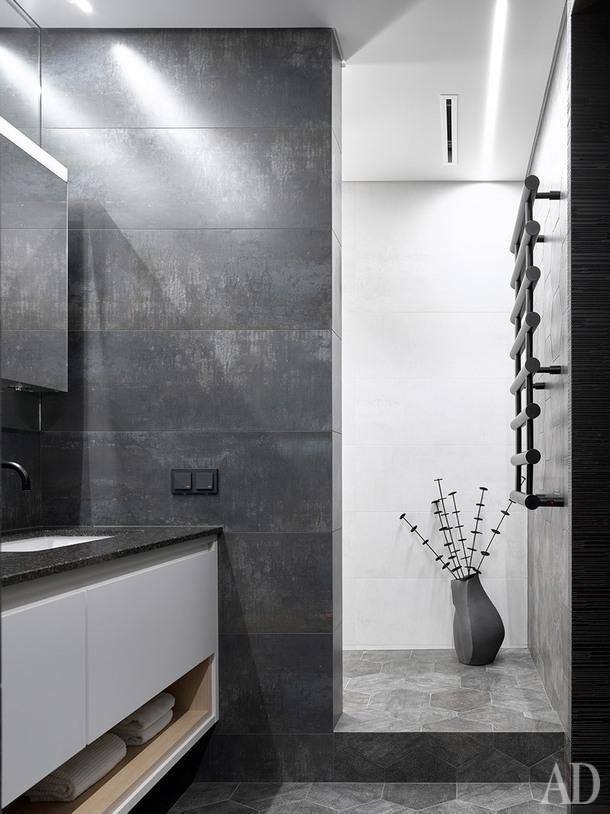 Фрагмент ванной. Плитка Ruggine Platino, Porcelanosa.