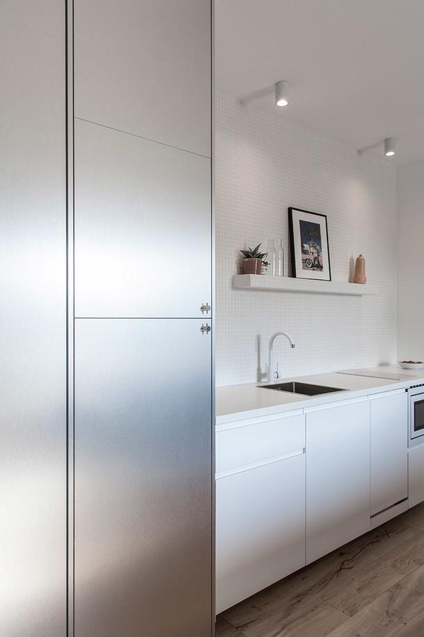 Миниатюрная квартира в пригороде Парижа, 44 м²