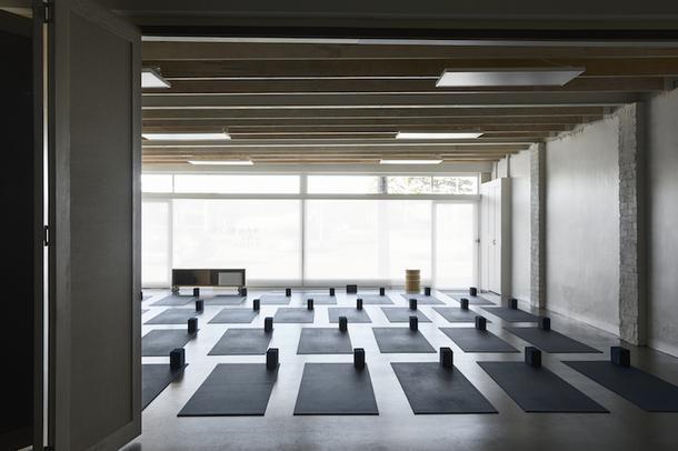 Минималистичная студия йоги под Мельбурном
