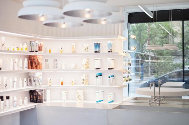 Минималистичный магазин в Берлине