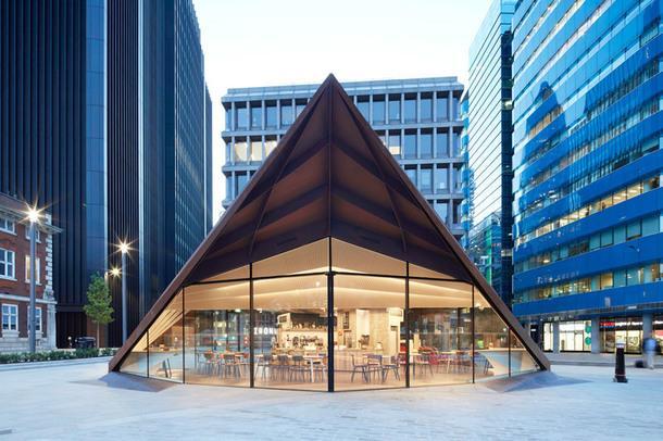 Новый павильон на площади Олдгейт в Лондоне