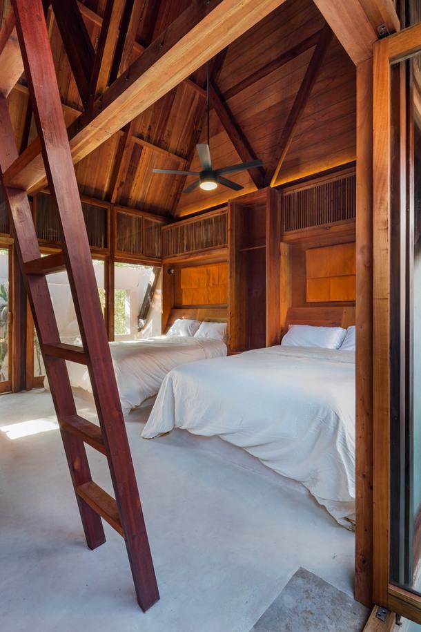 Отель на уединенном острове Холбокс