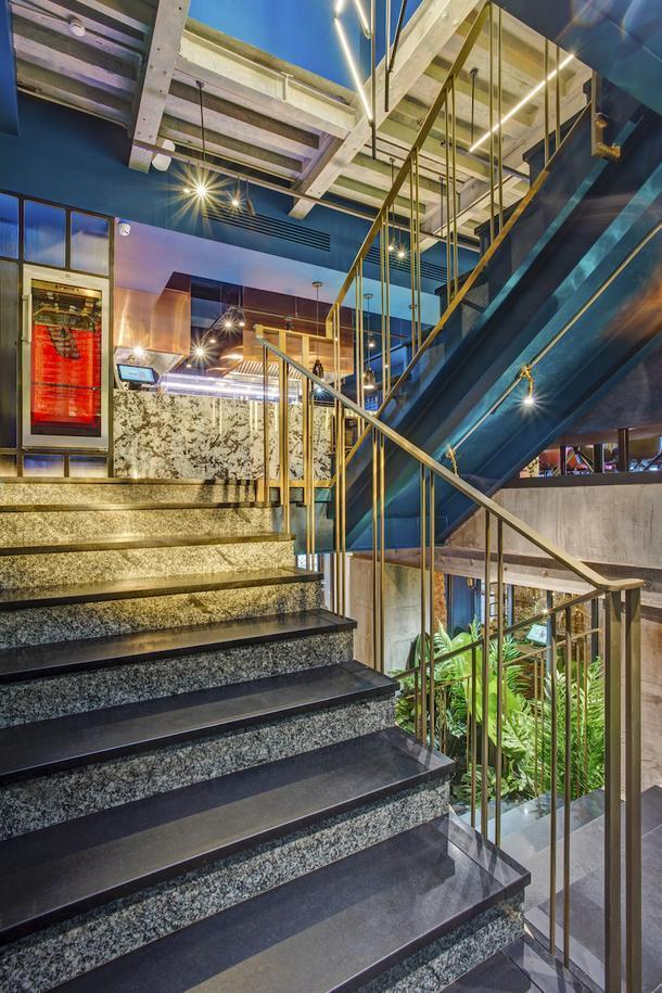 Ресторан 800°С Contemporary Steak на Патриарших прудах