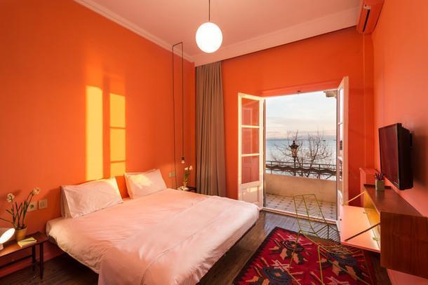 Яркие апартаменты с видом на море в Салониках