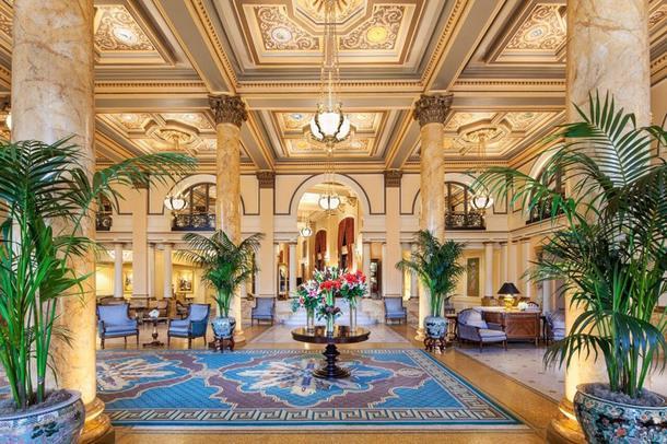 11 роскошных отелей с историей
