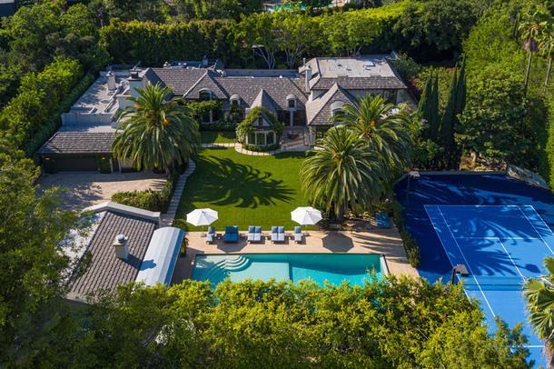 #чтобятакжил: 3 звездных дома на продажу