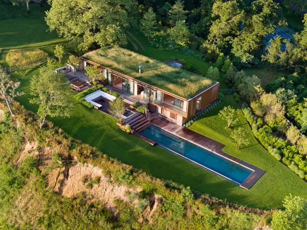 Дом с зеленой крышей в Хамптон-Бейсе