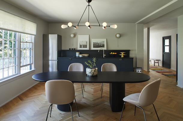 Два в одном: апартаменты и мебельный шоурум в Калифорнии