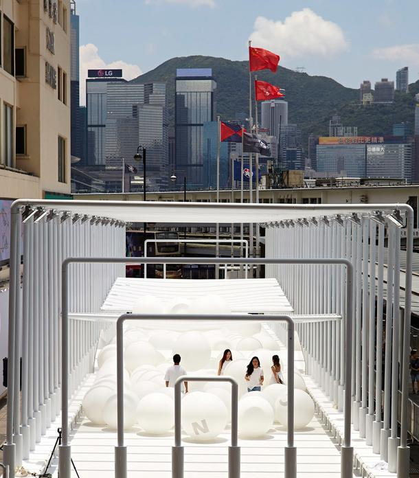 Интерактивная инсталляция в Гонконге