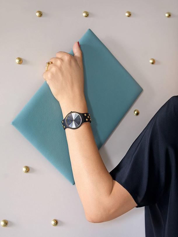 Лаконичная модель часов Rado от дизайнера Бетан Грей